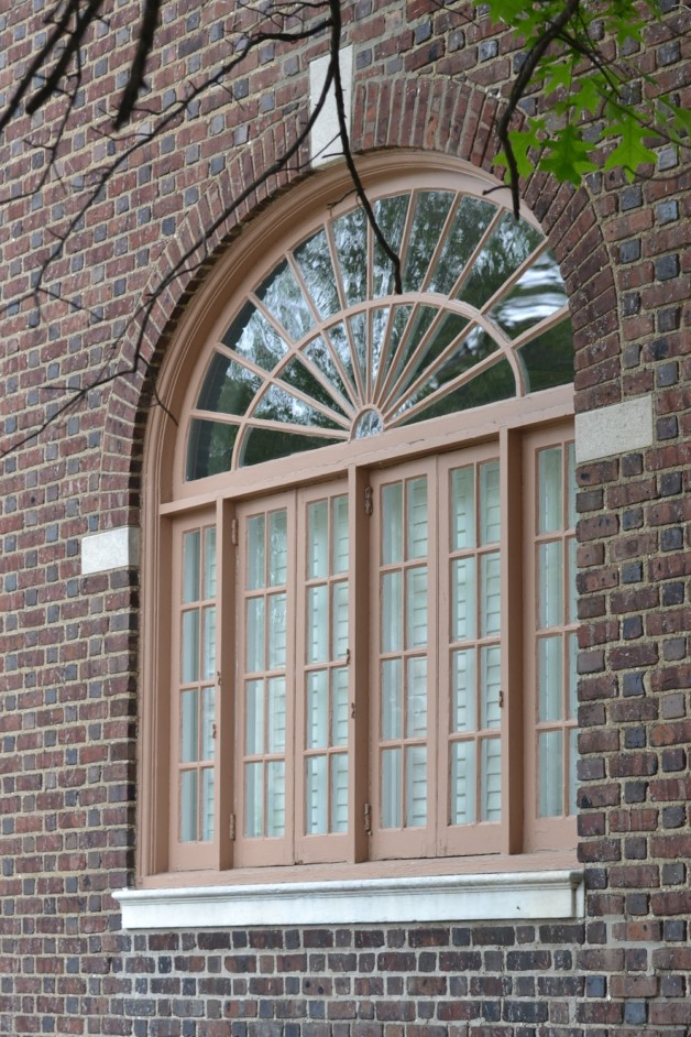 Carpentry restoration for windows and doors